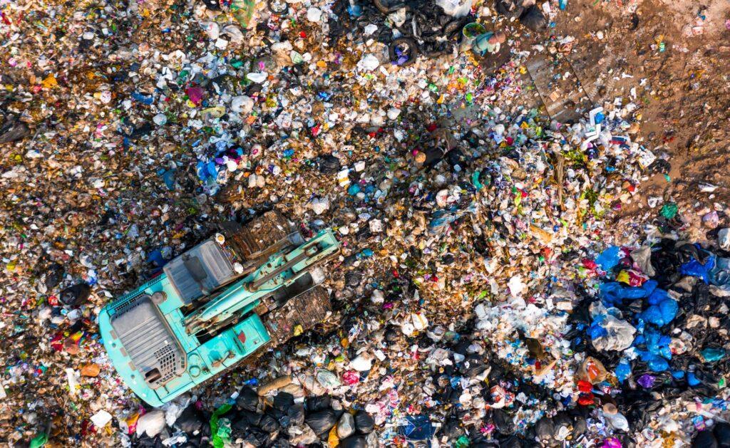 emisiones_desperdicio_interior2-residuos-basurero-sostenibilidad-reciclaje