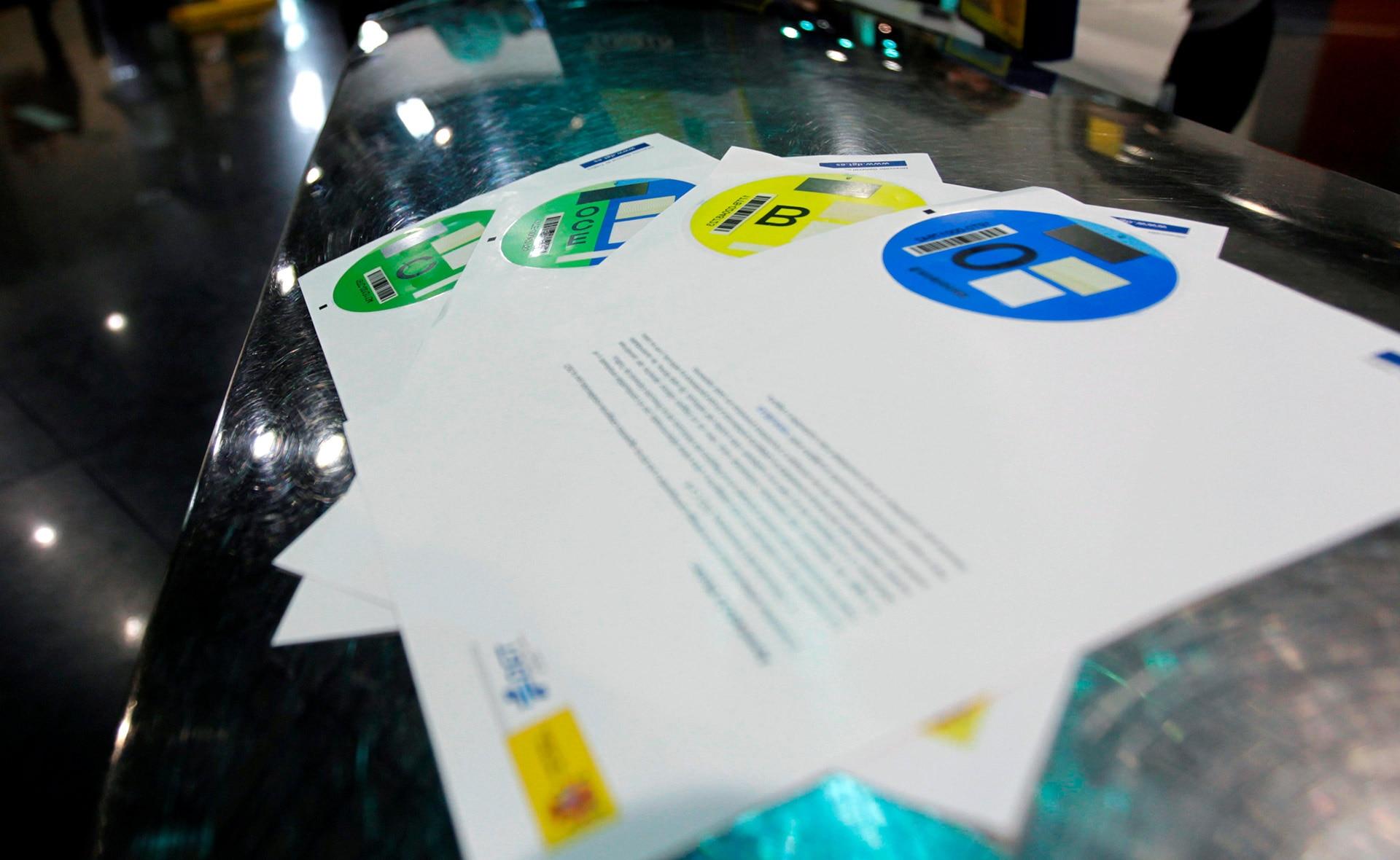 etiqueta_dgt_EFE-certificados-etiquetas-coche-