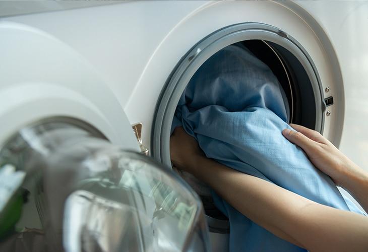 consumo_responsable-ahorro-energia-lavadora-cuidado-medioambiente-sostenibilidad