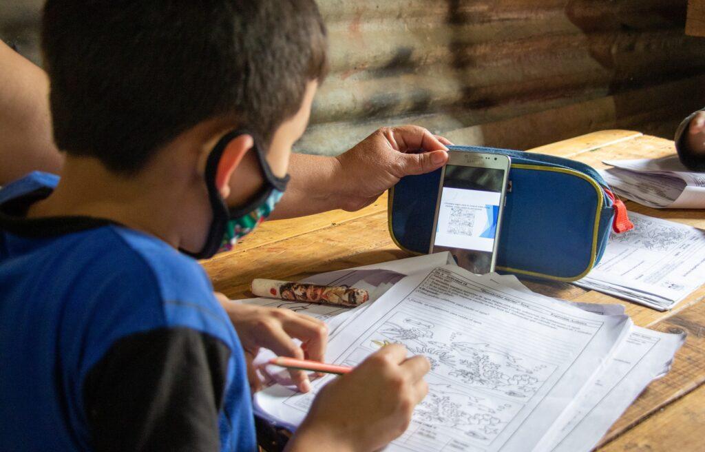 voluntarios-ciberseguridad-BBVA-ONGD-Entreculturas