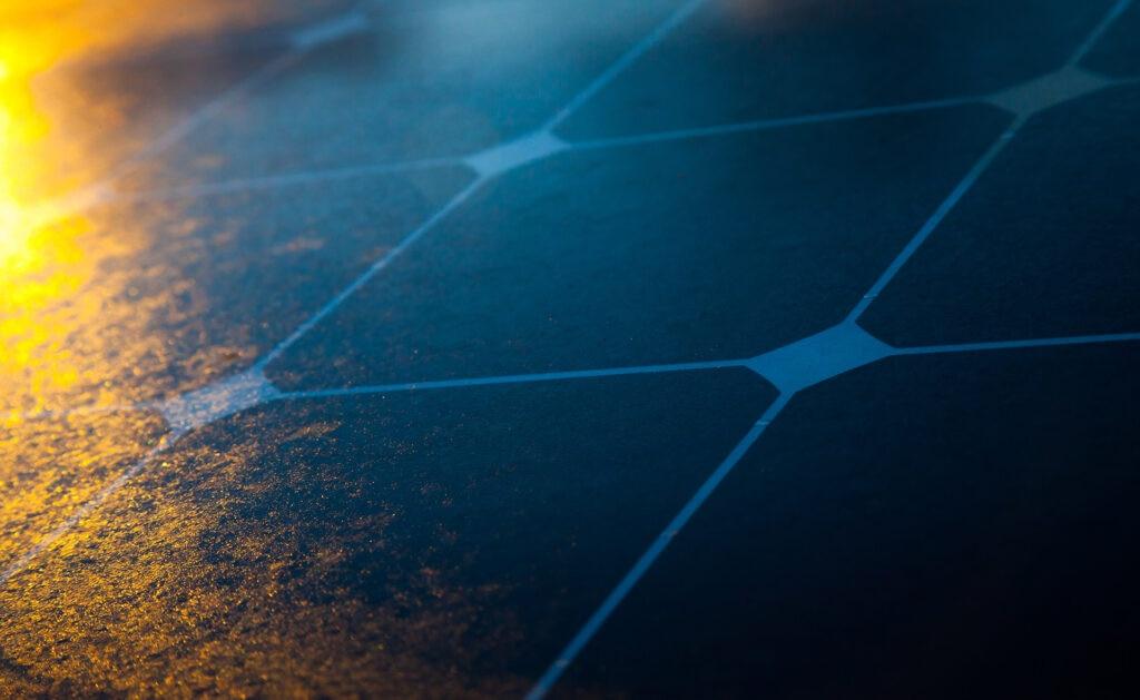 BBVA-bateria-solar-apertura-sostenibilidad-energia-