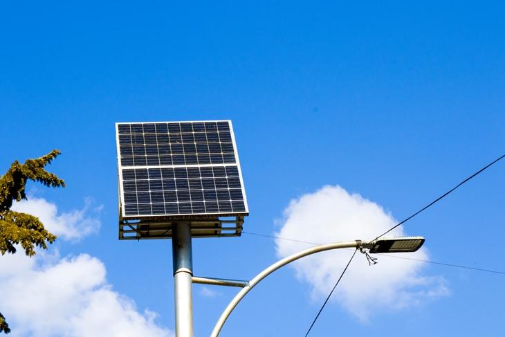BBVA-bateria-placas-solar-energia-cargadores-electricidad-sostenibilidad-uso-sol
