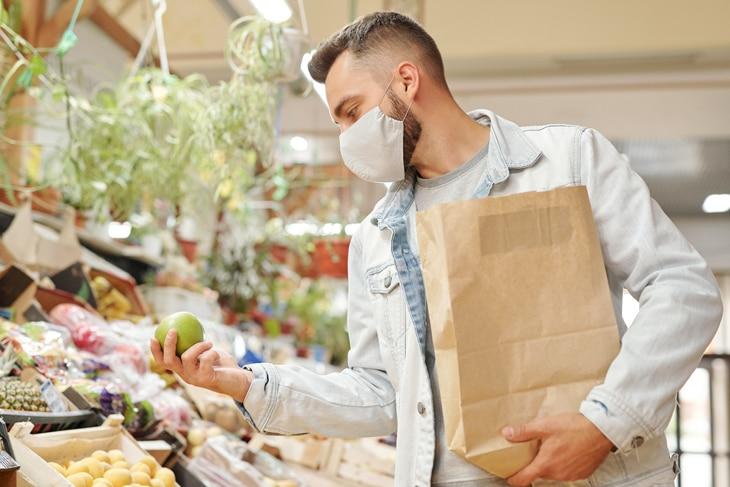 BBVA-feria-productos-ecologicos-int1-compra-supermercado-sostenibilidad-