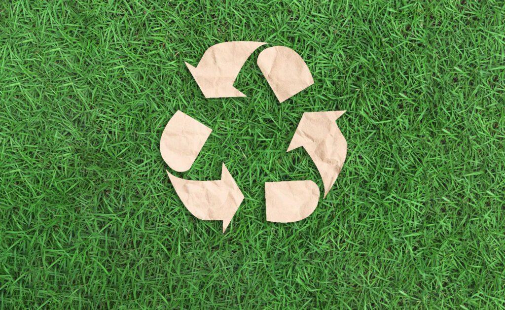 BBVA-papel-reciclado-sostenibilidad-residuos-emoticono-medioambiente-reciclaje