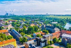 Dinamarca-pais-casas-barrio-naturaleza-sostenibilidad-ciudades