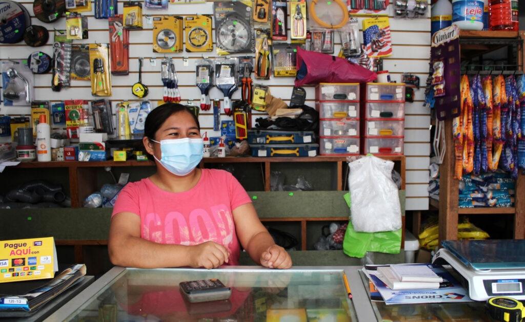 Emprendedora atendida por la FMBBVA en Perú