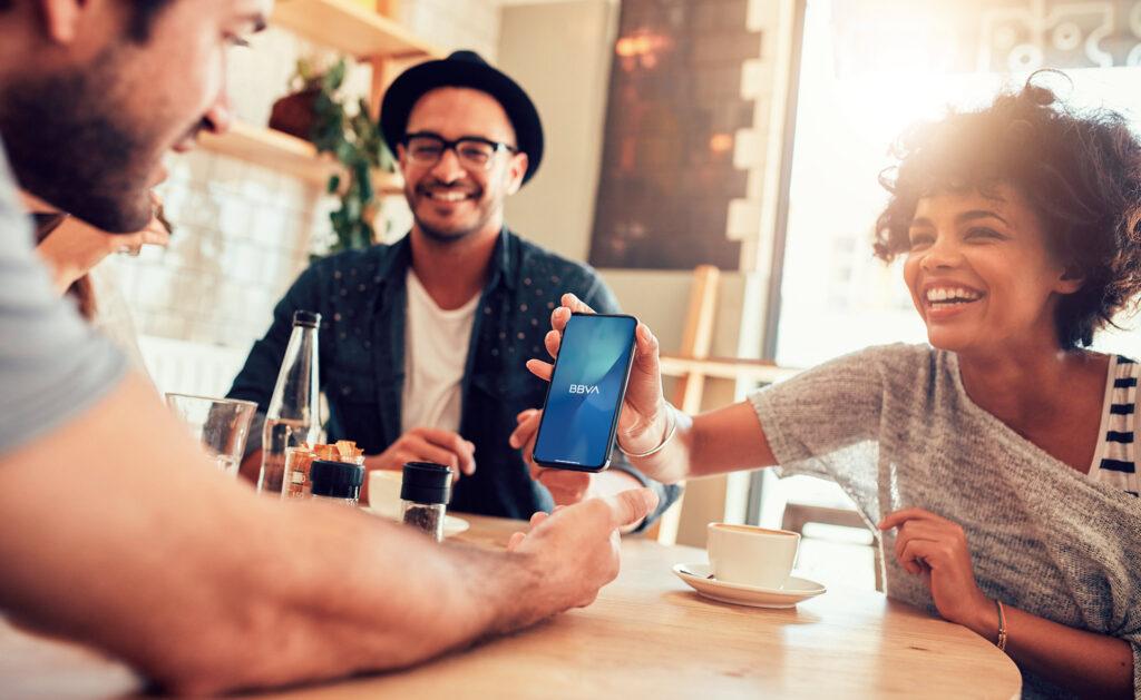 Plan-Invita-a-un-Amigo-cuenta-pagos-bbva-fidelizacion-nuevo-clientes-usuarios-ventajas