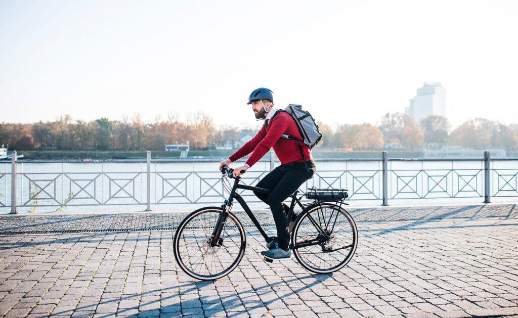 bicicleta_electrica_interior-movilidad-sostenibilidad-carretera-ruedas-transporte-urbano