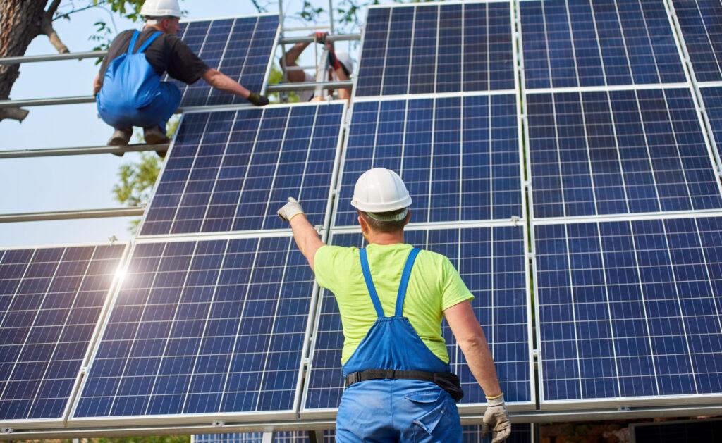 paneles_solares_interior-energia-renovable-sol-ahorro-pisos-casa-instalacion-