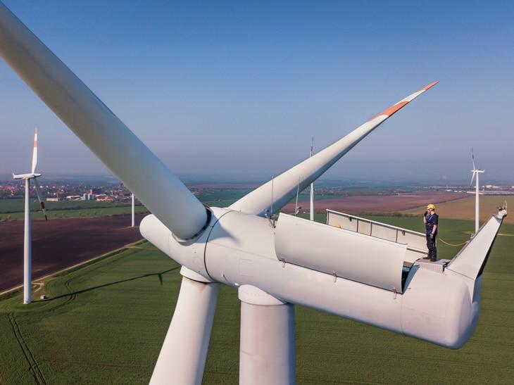 BBVA-molinos-eolicos-energia-renovable-sostenibilidad