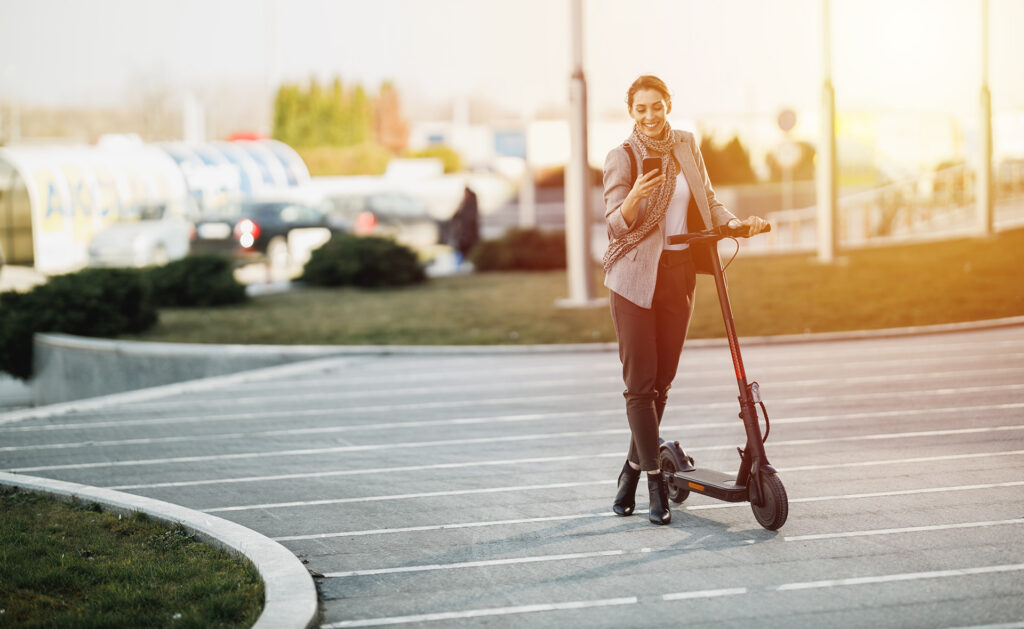 BBVA-patinete-electrico-movilidad-sostenibilidad-transporte