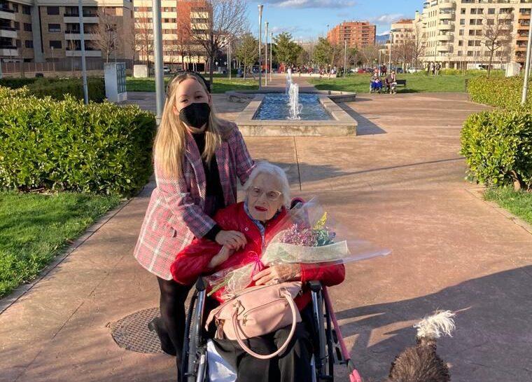 Cristina y Cortijo-podcast-voluntarios-adopcion-abuelos-mayores
