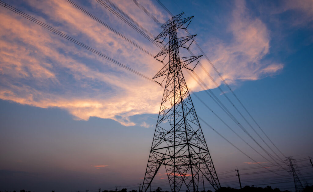 central_electrica_historia-creacion-fabricas-sostenibilidad-contaminacion-aire-energia