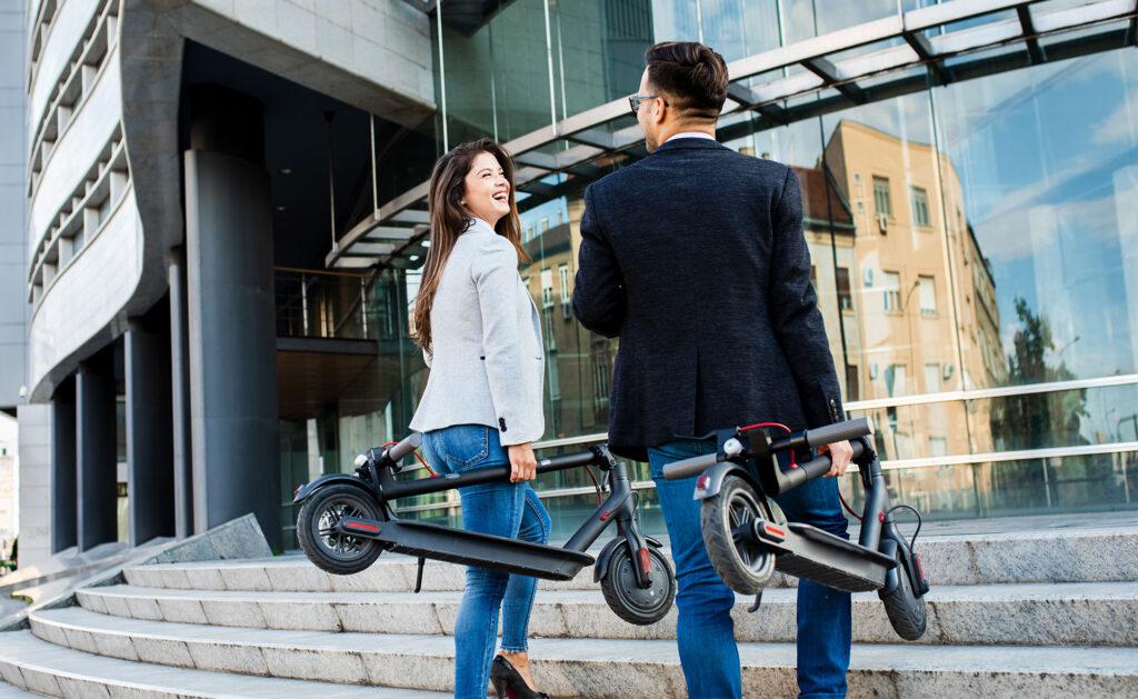 ciclomotor_ruedas-transporte-sostenible-movilidad-responsable-ciudades-
