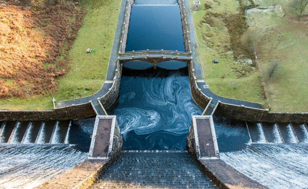 sostenibilidad-BBVA-central-hidrolectrica-energia-renovable