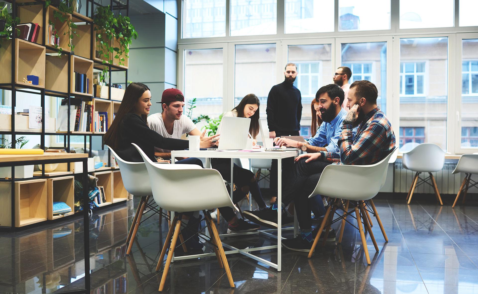 BBVA-emprendimiento-innovacion-union-conceptos-emprea-equipo-trabajo