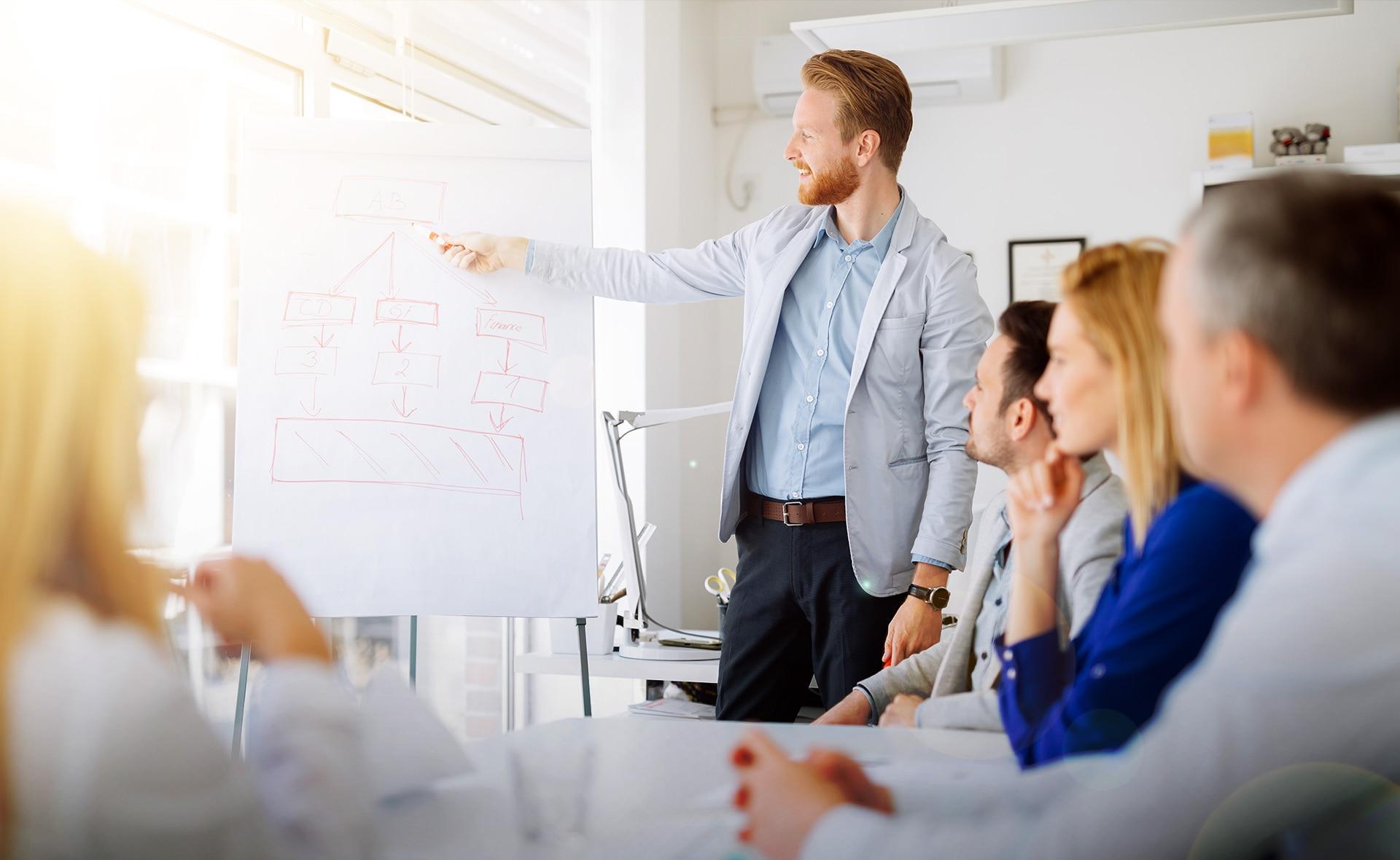 diseñar-estrategias-innovación-BBVA-empresas-pymes-equipo-digital-agile-trabajo