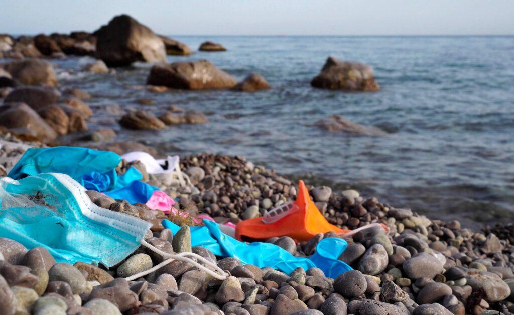 BBVA-Pandemia_cambio_climatico-sostenibilidad-covid-playas-mascarillas