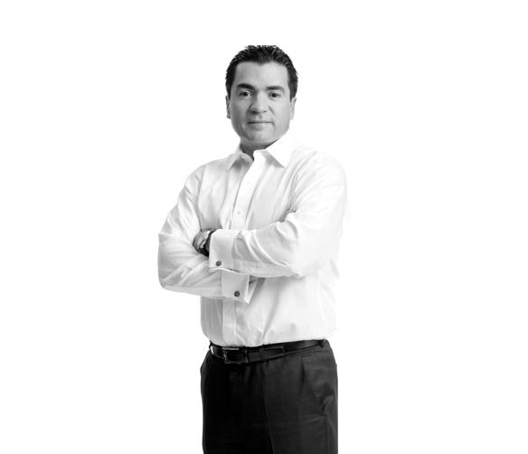 Eduardo-Osuna-Osuna-blanco-negro-executive-team-BBVA