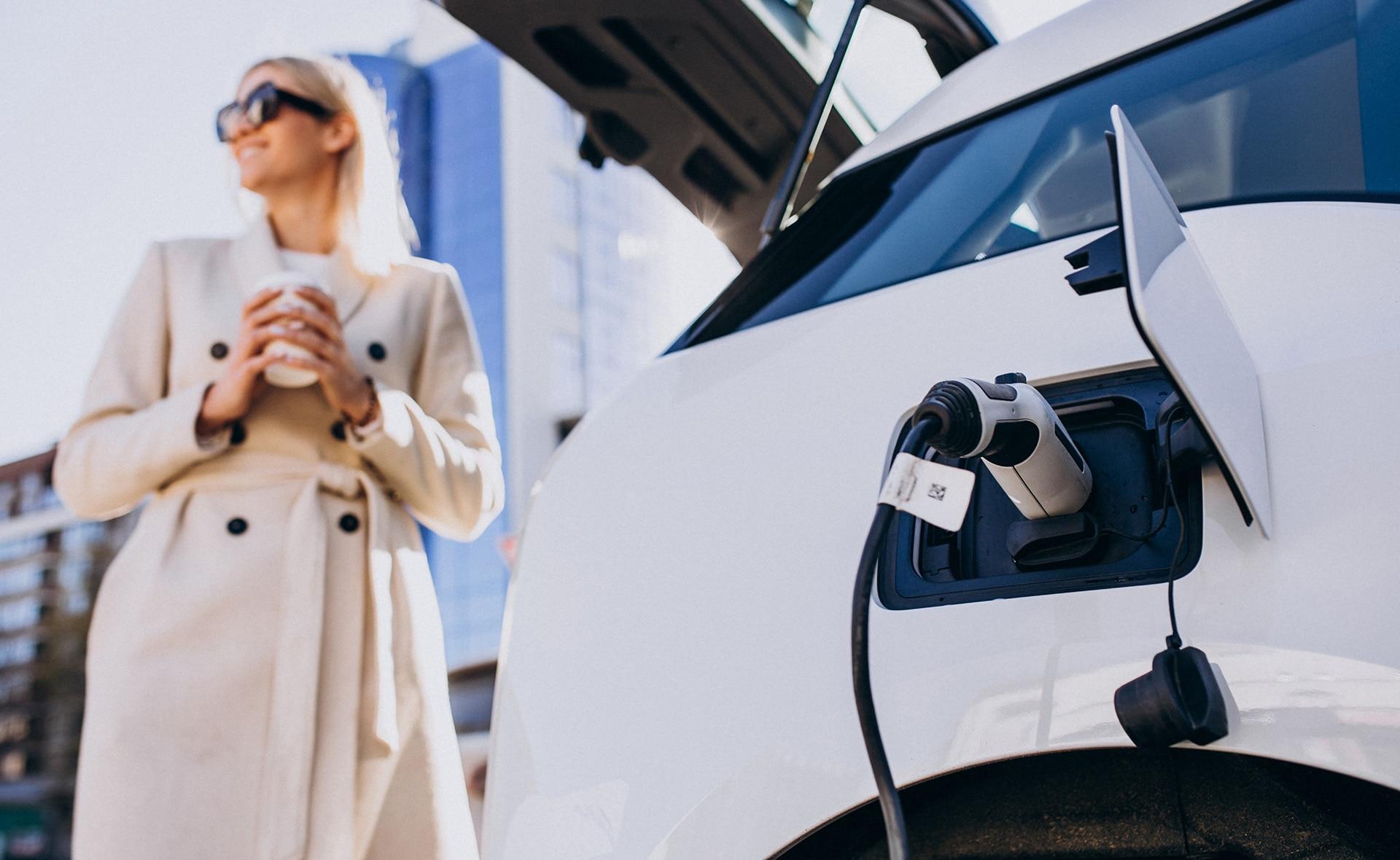 BBVA-movilidad-electrica-aedive-movilidad-sostenibilidad-acuerdo-impulso-medioambiente-asociarse