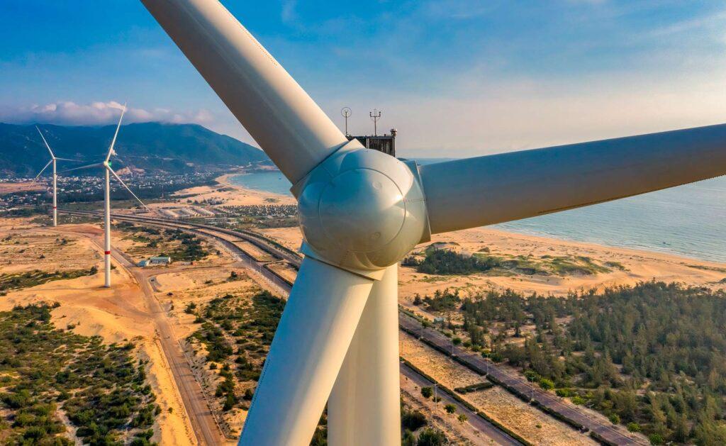 BBVA-molinos-descarbonización-sostenibilidad-combustibles-materiales-renovables-medioambiente-cambio-climatico-leyes