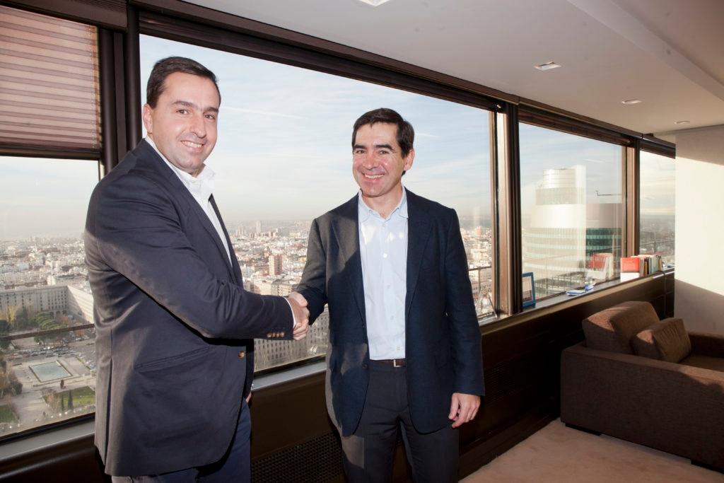 Fotografía de Juan Jose Divasson Gonzalez, CEO de Madiva y Carlos Torres