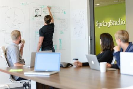 Sala de Trabajo en SpringStudio, empresa lider en diseño de experiencia de usuario