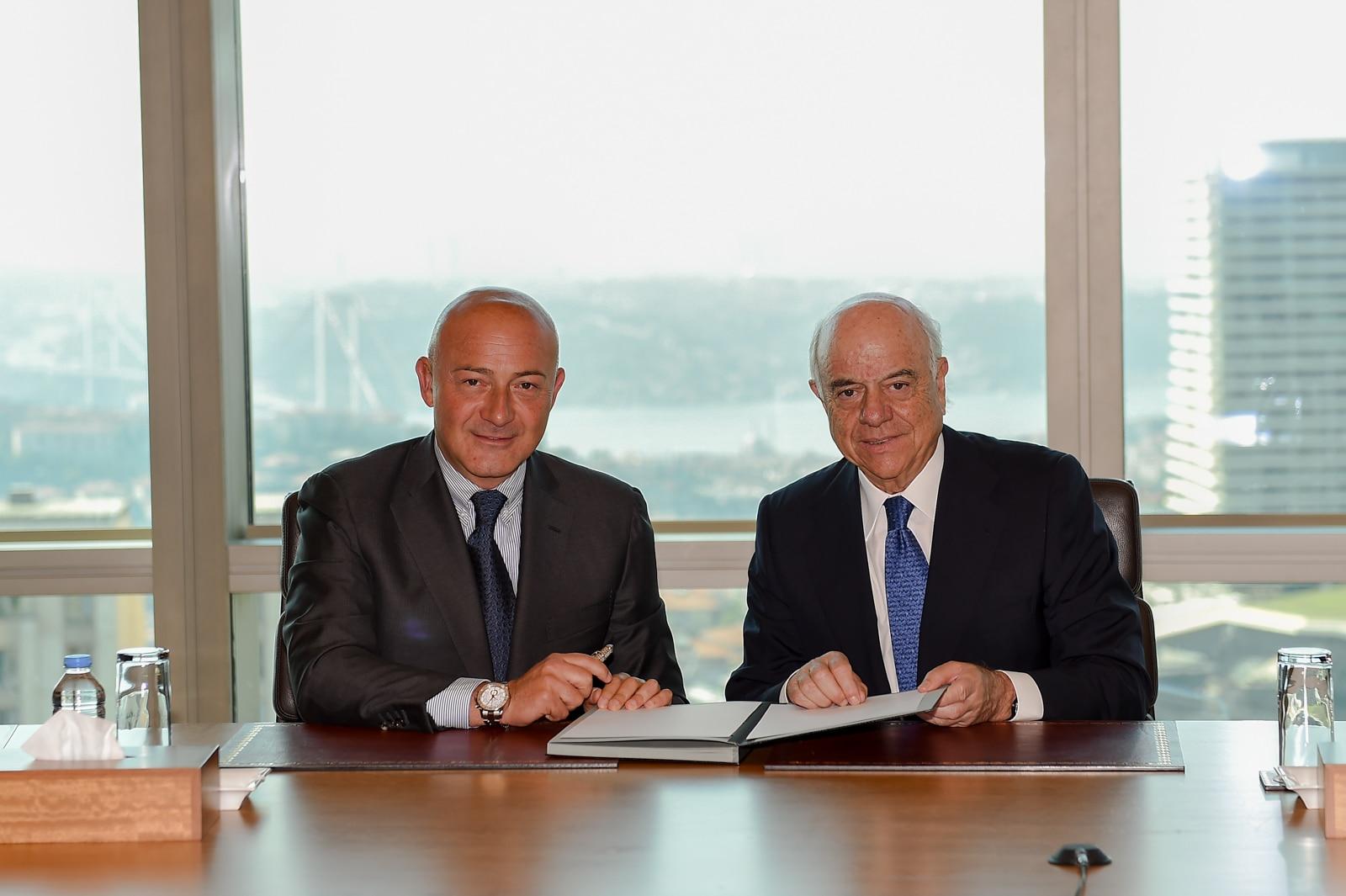 Picture Francisco González, president of BBVA, and Ferit Sahenk, president of Garanti