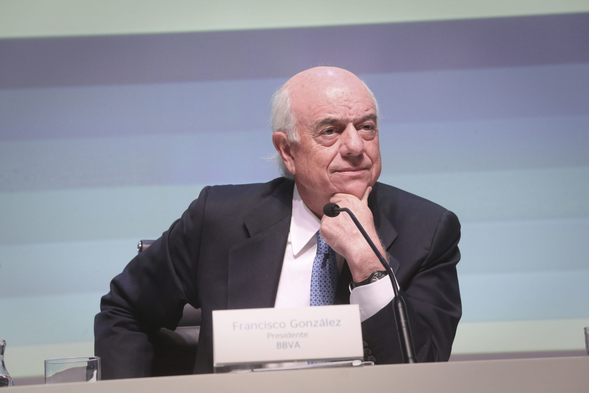 Picture of Francisco González at annual results presentation