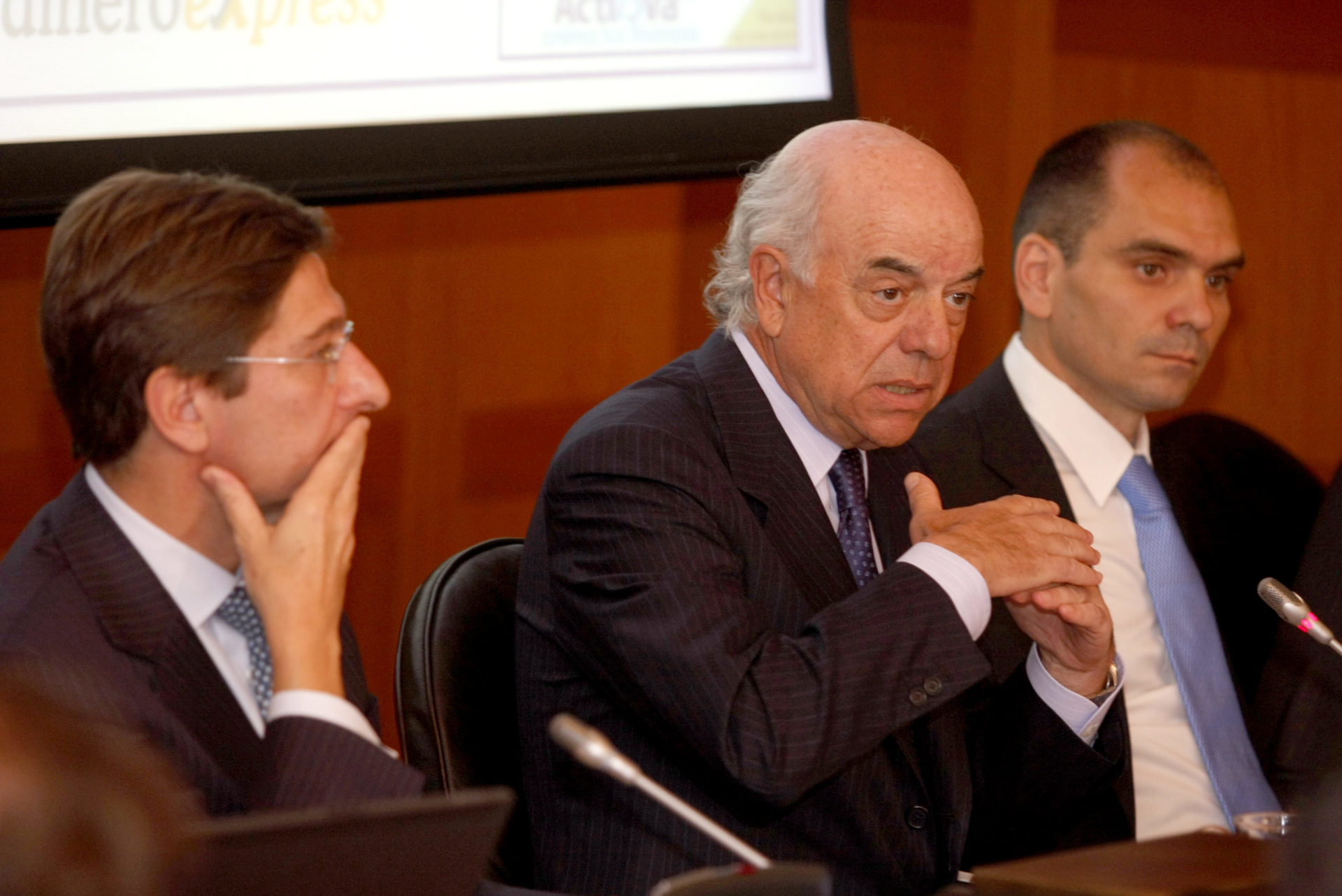 Picture of Francisco Gonzalez during his speech during the BBVA Tu cuentas launching