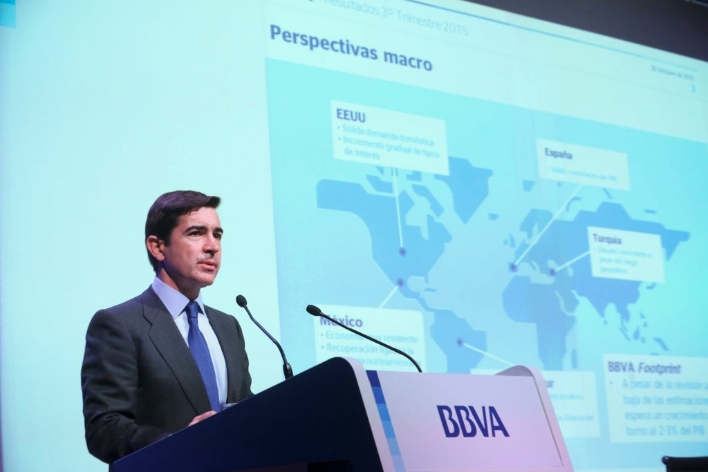 Picture of Carlos Torres presenting the 3Q15 results BBVA