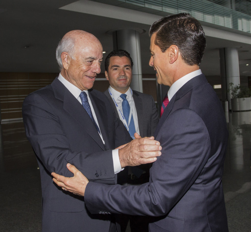 Picture of Francisco Gonzalez Enrique Pena Nieto Eduardo Osuna Nacional Meeting Directors BBVA Bancomer