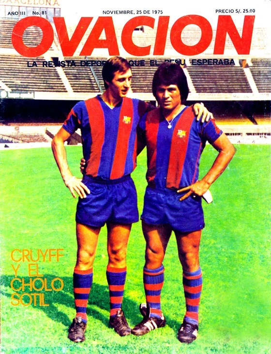 Picture of Johan Cruyff and Hugo Cholo Sotil in the F.C.Barcelona at the magazine Ovación bbva
