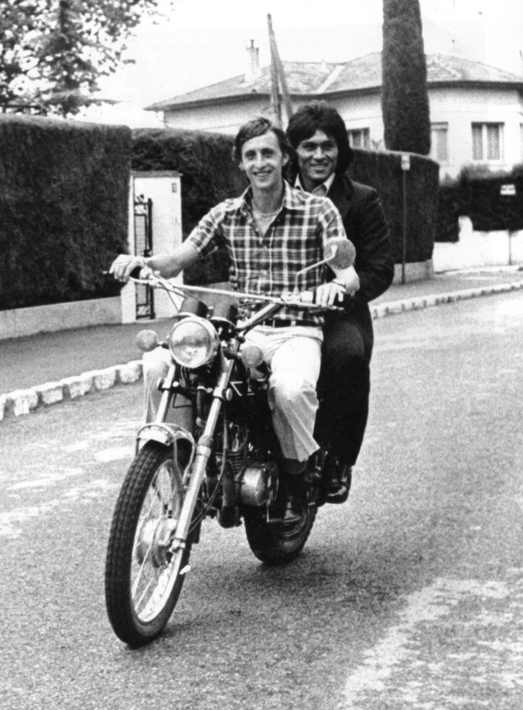 Picture of Johan Cruyff Hugo Sotil motorbike Barcelona bbva
