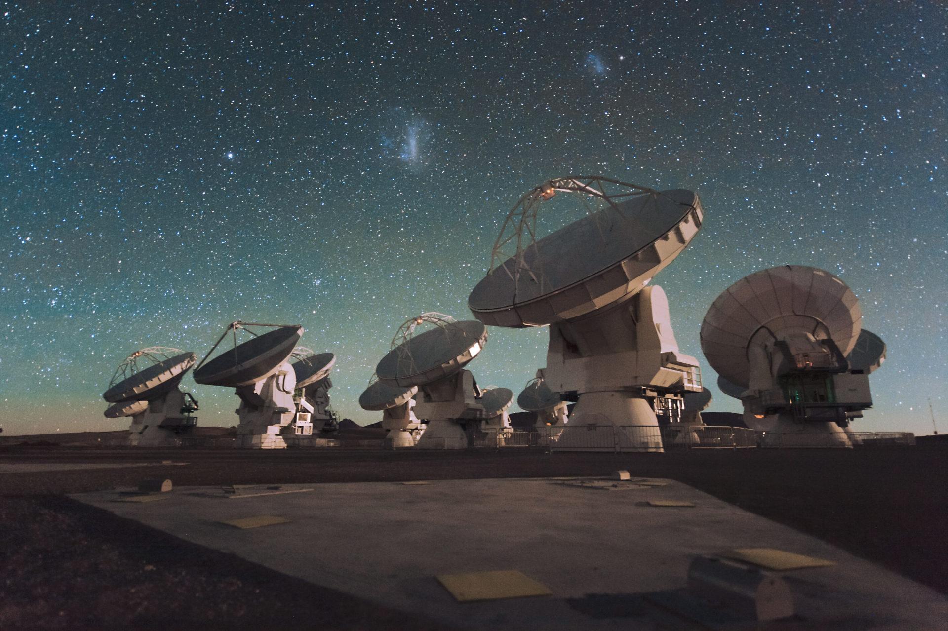 Atacama Large Millimetersubmillimeter Array (ALMA)