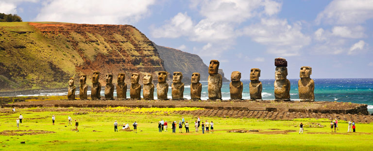 Picture of Pascua Island statues monument Chile BBVA