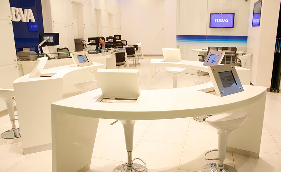 Picture of business office branch technology costanera center BBVA