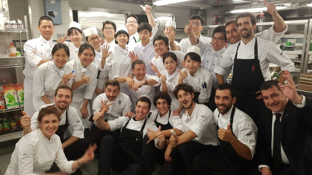 Picture of El Celler de Can Roca with the students of Culinary Arts in Hong Kong during the BBVA Tour