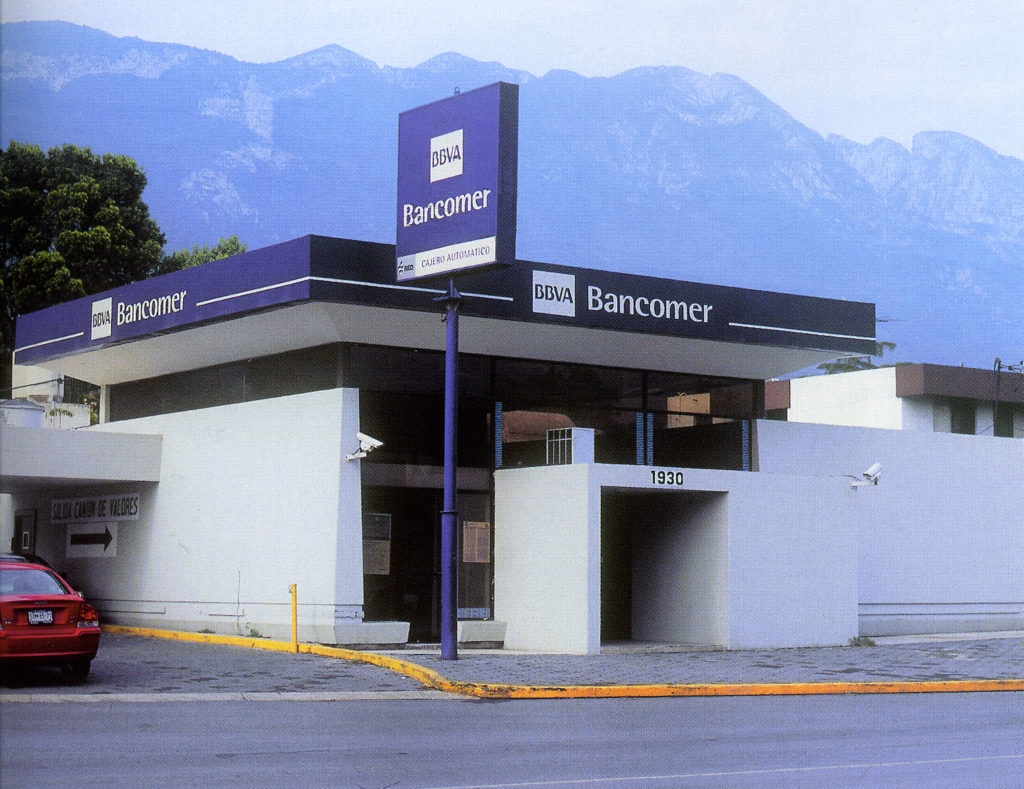 Picture of 2000 BBVA Bancomer changes its corporate image BBVA