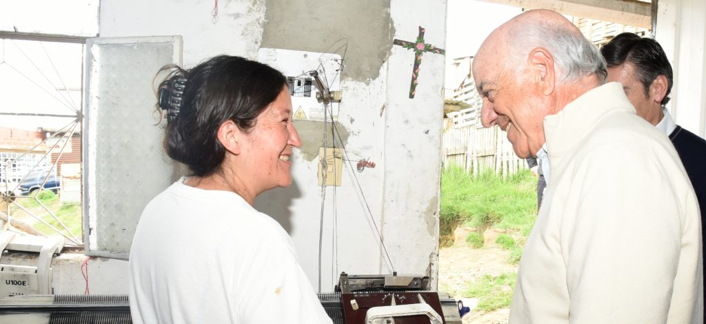 Image of Francisco_Gonzalez, with a client of BBVA Microfinance Foundation in Soacha, Colombia.