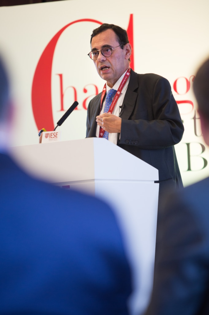 Jaime Caruana, General Manager of the BIS