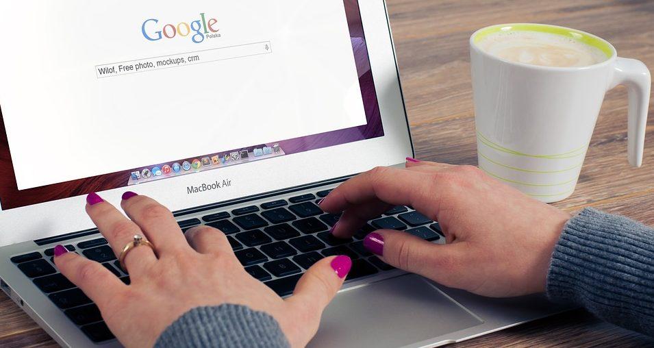 empleos oficina ordenador economia digital recurso