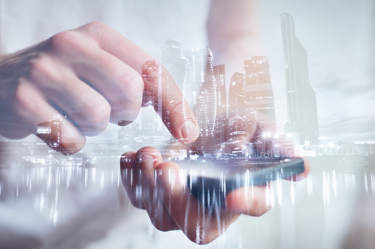 RESOURCE recurso fintech tech technology finance smartphone hands with mobile, double exposure