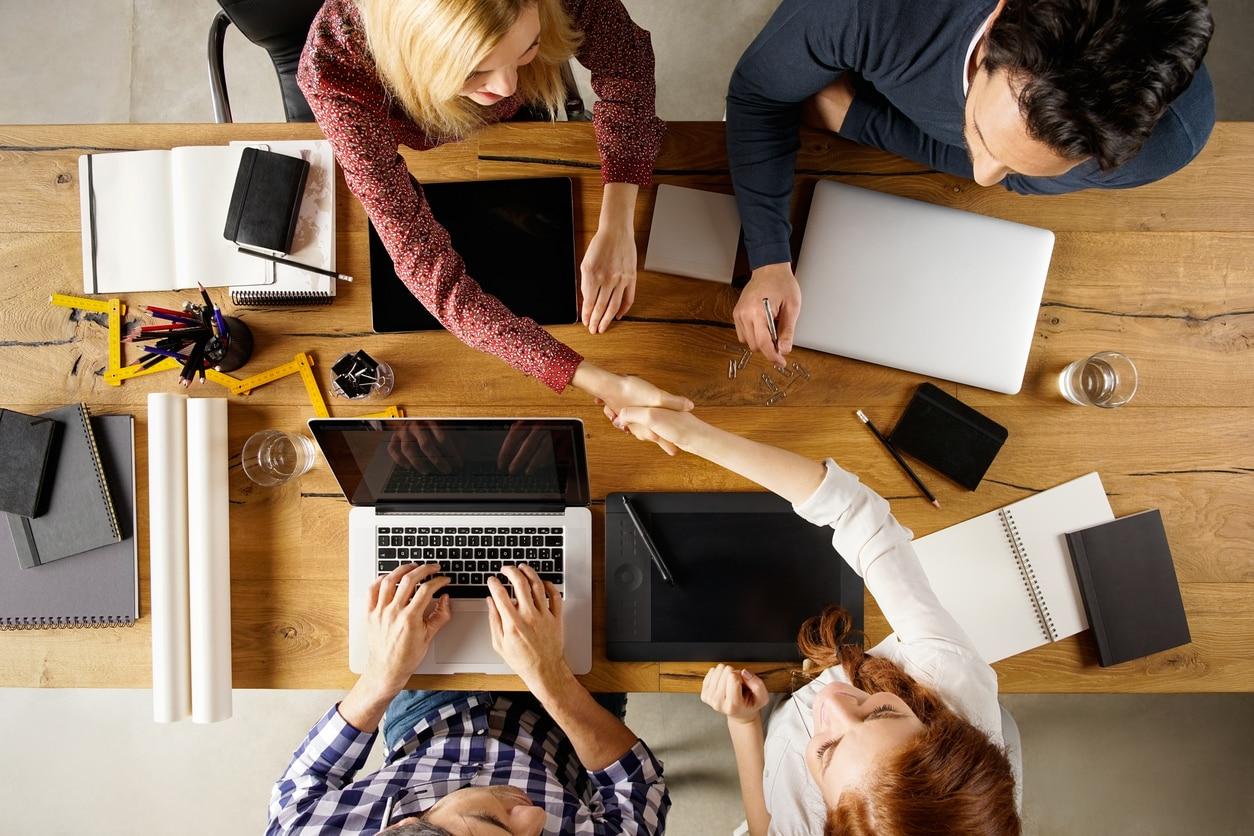 RESOURCE recurso tech computer agile agreement Business handshake