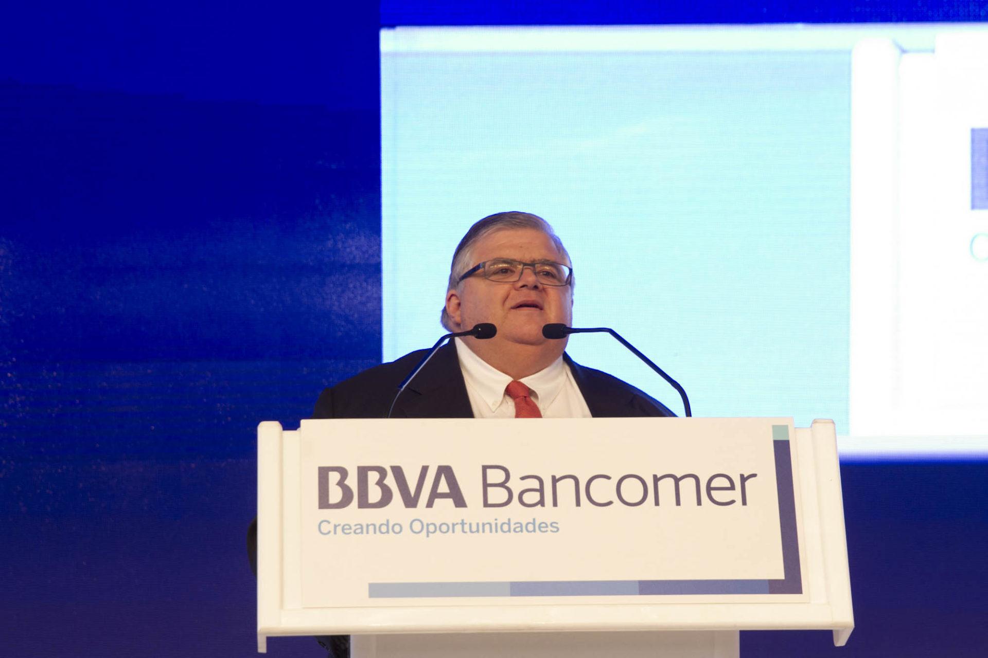 agustin-carstens-en-la-reunion-del-consejo-de-bbva-bancomer_1