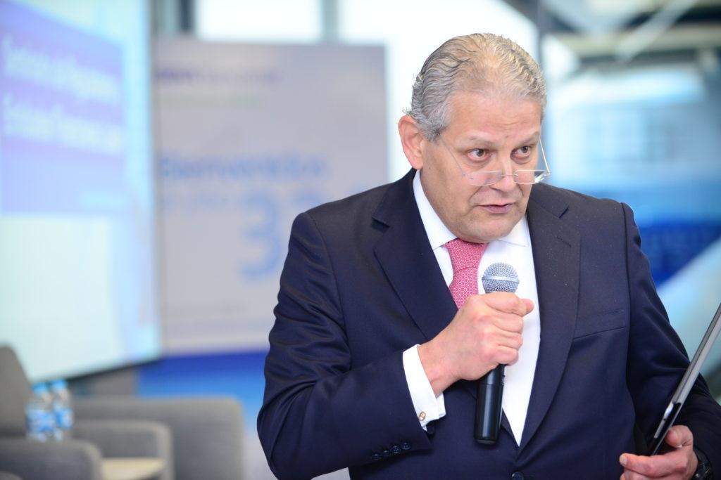 Luis Robles en seminario BBVA - BID