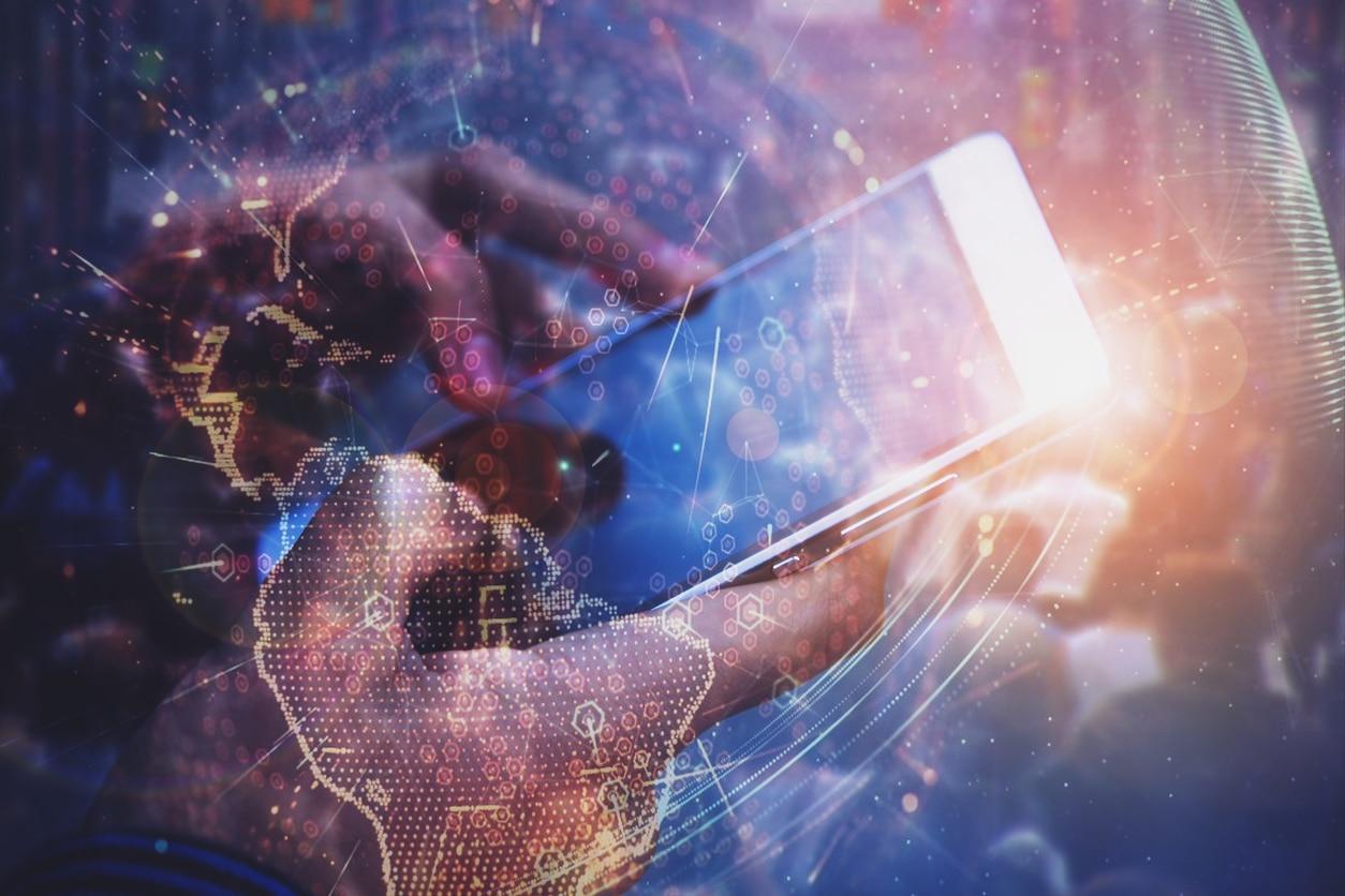 SME-SEO-Social media-digital universe-conectivity-smartphone-hand-finances-technology-bbva
