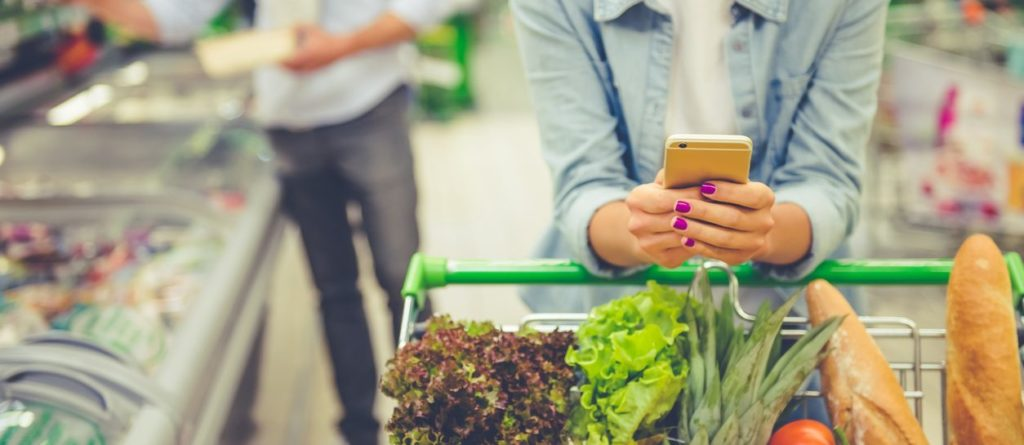 artificial-intelligence-mobile-phone-personal-assistant-shopping-smartphone-market-food-bbva.jpg