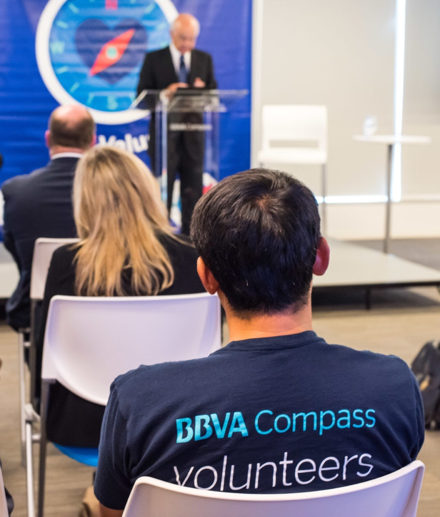 Chairman_BBVA_Francisco_Gonzalez_BBVA_Compass_volunteers_Harvey_22_9_17